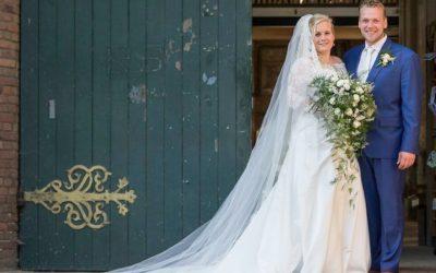 bruidsboeket wit groen veronica rozen asparagus
