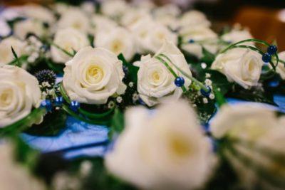 corsage bruiloft kobaltblauw accent