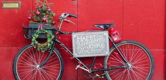 6_sfeerfoto_kerst_fiets_rood